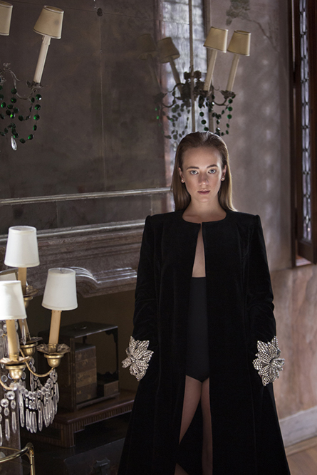 Sara Lazzaro a Venezia come Peggy Guggenheim
