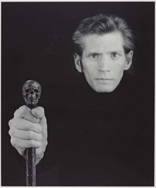 Robert Mapplethorpe autoritratto con teschio 1988