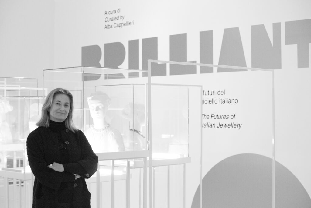 Alba Cappellieri alla sua mostra Brilliant sul gioielloTriennale di Milano